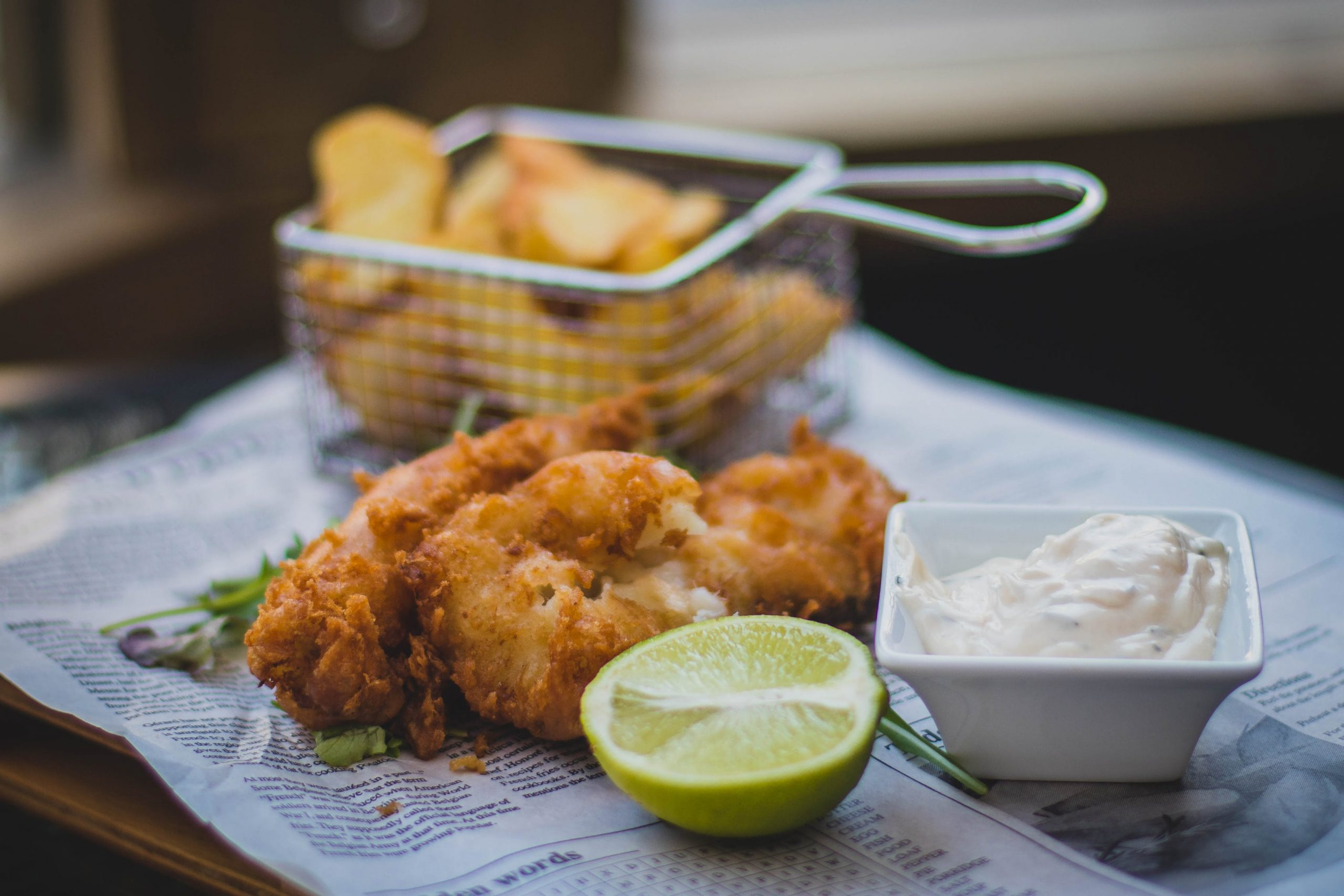 Fish and chips with dip